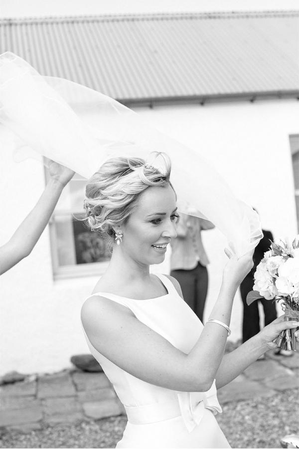 bride get out of crear wedding venue in scotland
