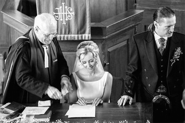 weddign signing of registry