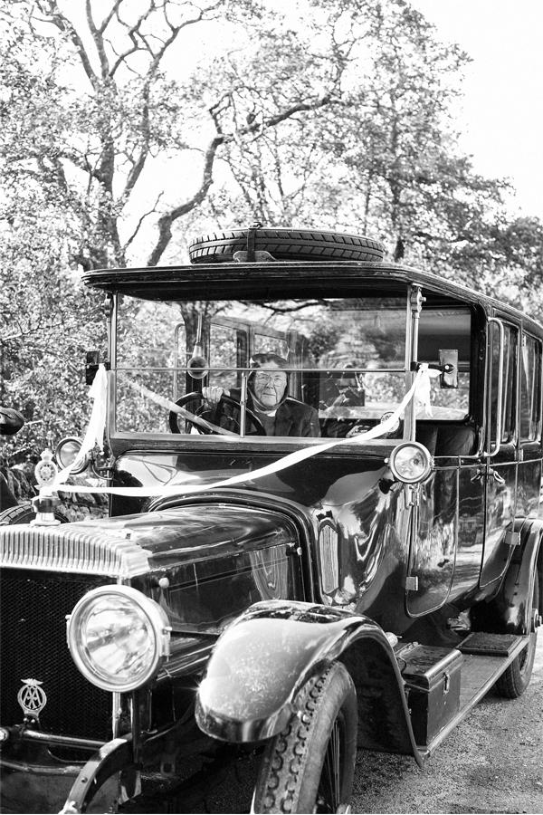 vintage wedding car in scotland