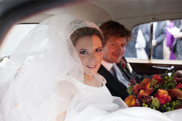 wedding photographer glasgow bride with groom in car