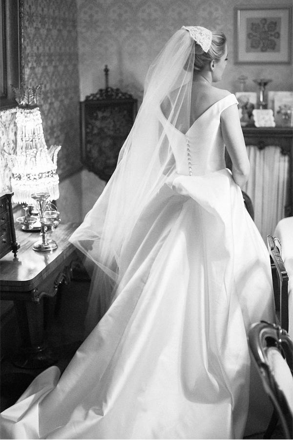 traditional italian wedding dress in glasgow