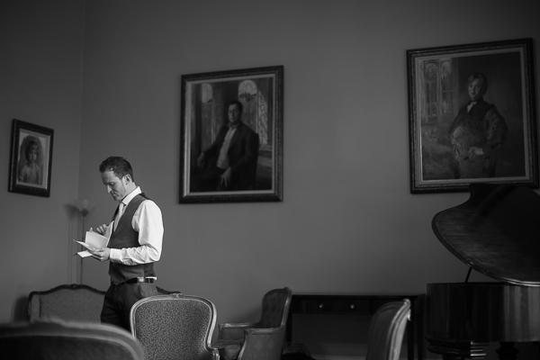 best man preparing his speech inside oxenford castle