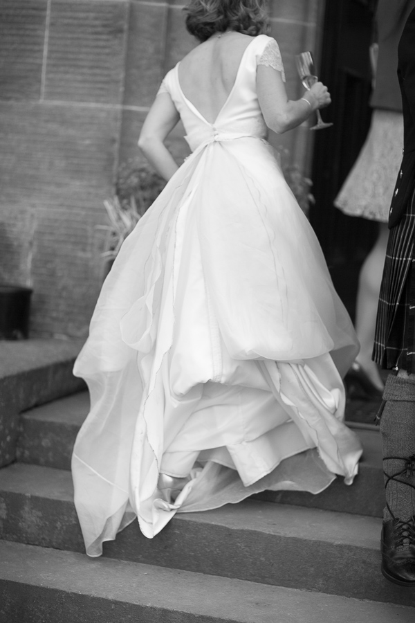 fotogenic of scotland, bride walking up stairs