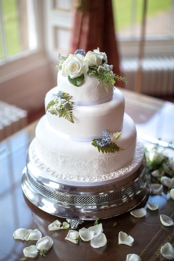 wedding cake at oxenford castle wedding venue near edinburgh