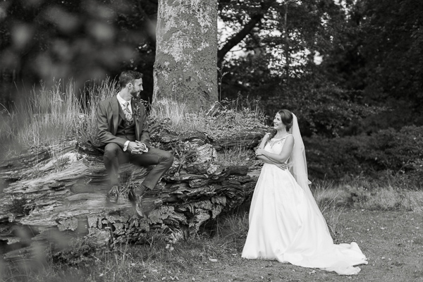 newlyweds in forest on photo session fotogenic of scotland