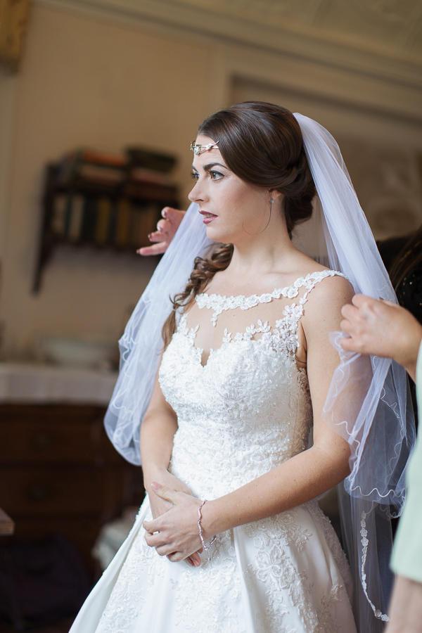 veil fixing during preparations