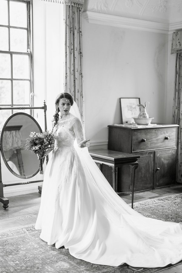 last look in the mirror bride