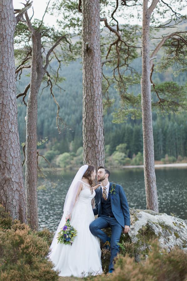 wedding photographer glasgow newlyweds in forest