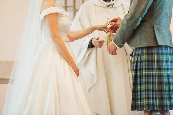 exchanging of the rings at bearsden church scotland