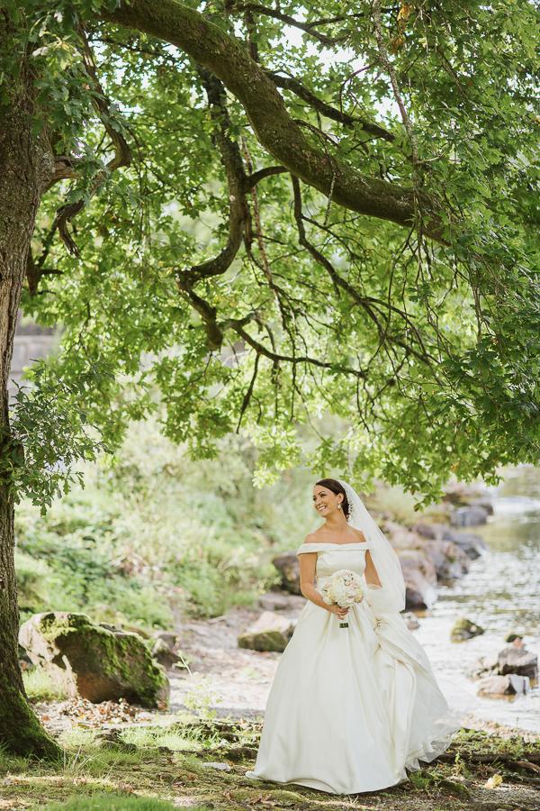 wedding photographer glasgow bride at loch lomond cameron house