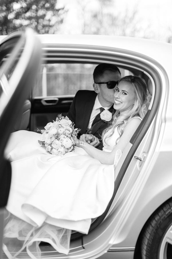 married couple sitting in the car glasgow