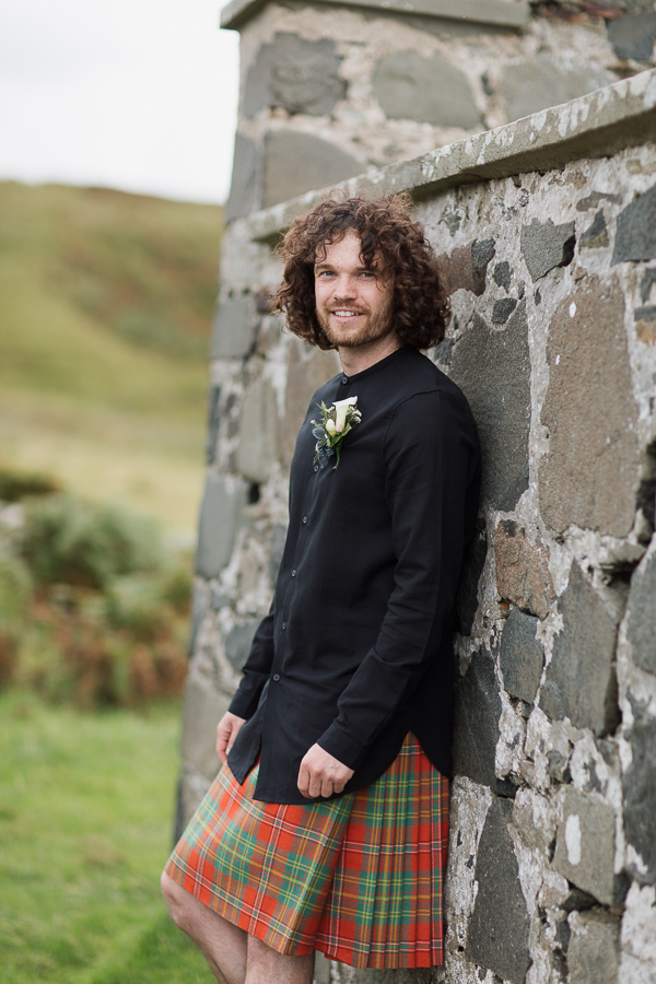 groom in kilt scotland long hair