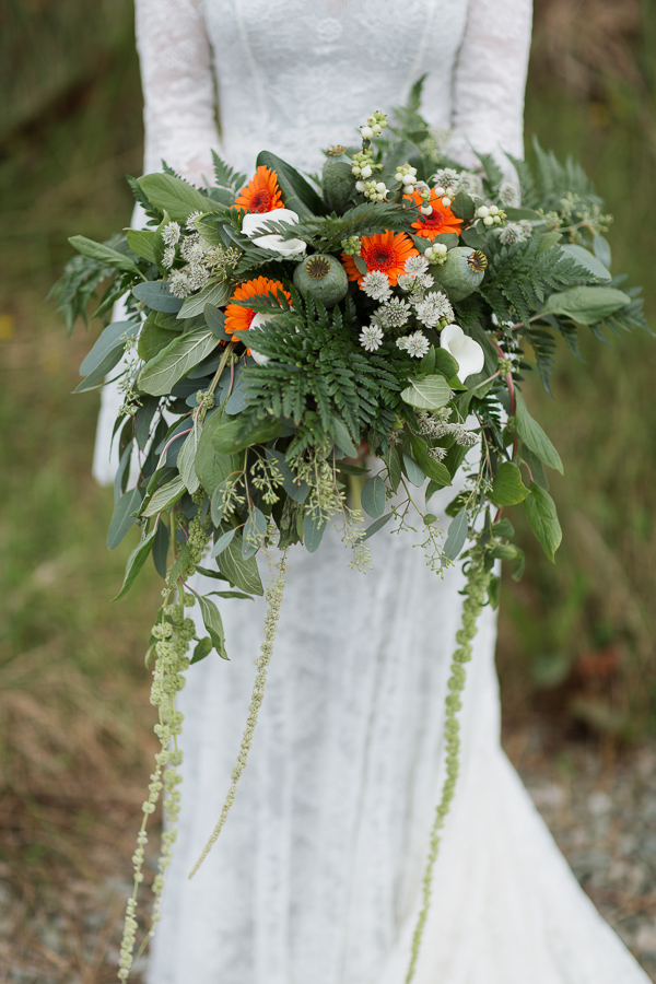 oversized wedding flowers by fotogenic of scotland