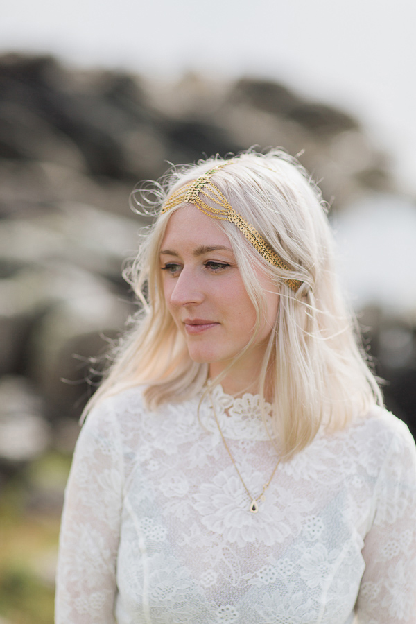 wedding photographer glasgow portrait of a bride in golden hair piece