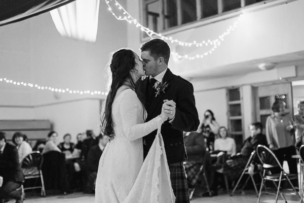 newly married kissing during their first dnace scottish wedding photos