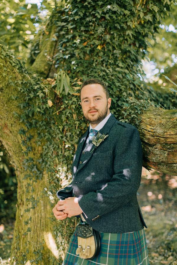 groom weddinh photos loch lomond