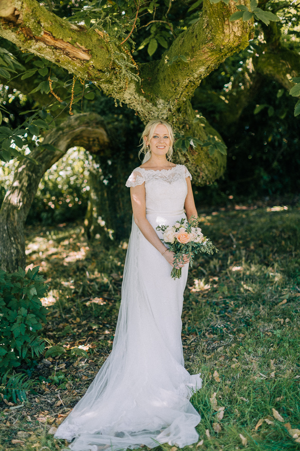 beautiful bride loch lomond