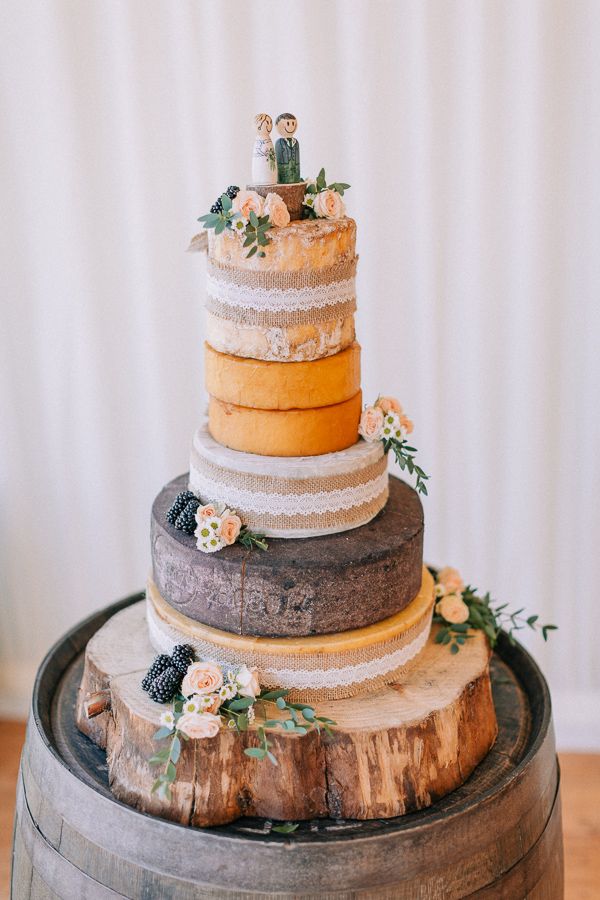 wedding cake loch lomond