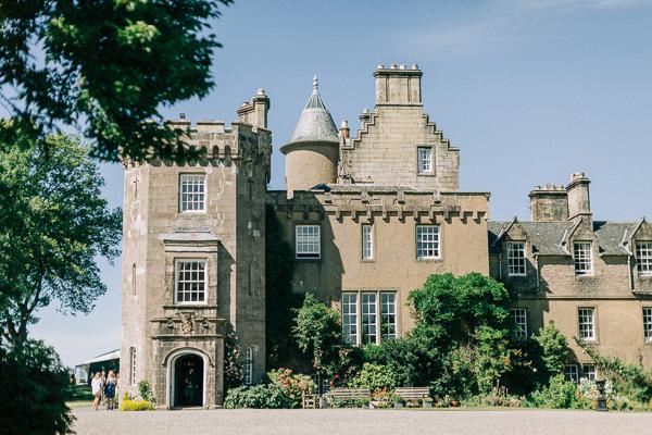 castle on loch lomond