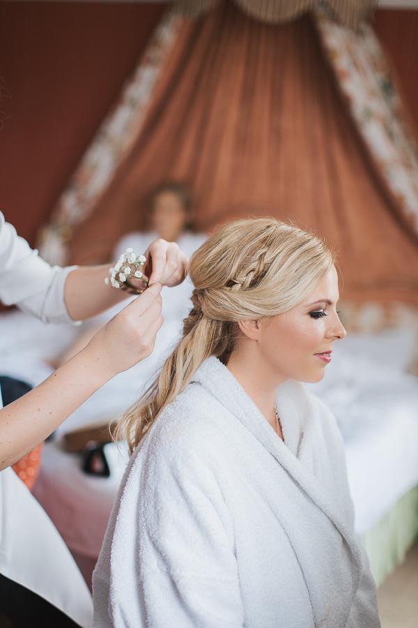 wedding photographer ayrshire bride having her hair donw