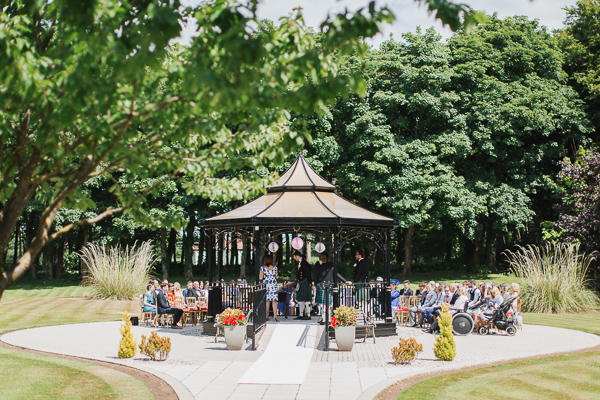 wedding photos lochgreen hotel outside ceremony