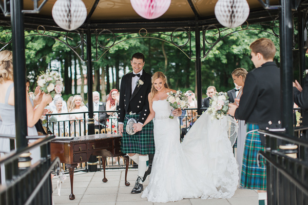 lochgreen wedding photos bride and groom just married fotogenic of scotland