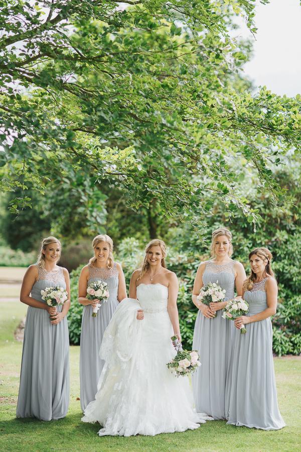 wedding photographer glasgow & edinburgh scotland bridesmates