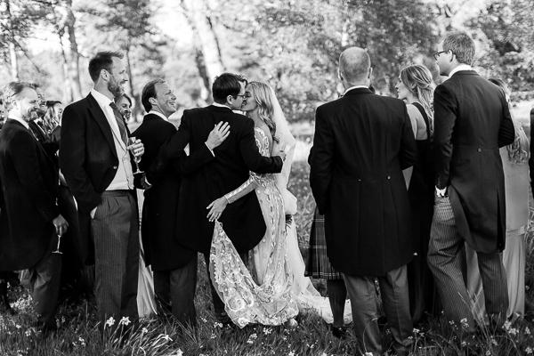 kissing in the garden mount stuart