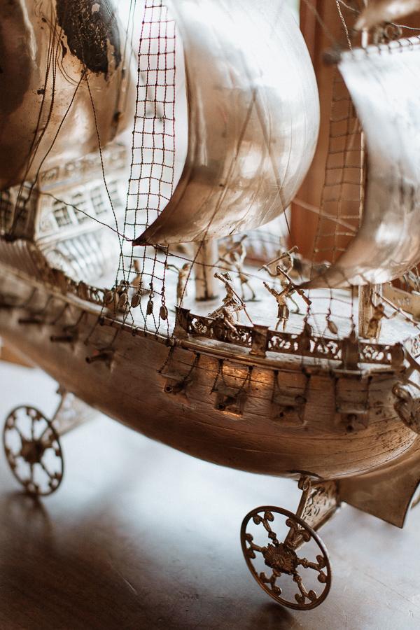 boat detail at soarn castle wedding
