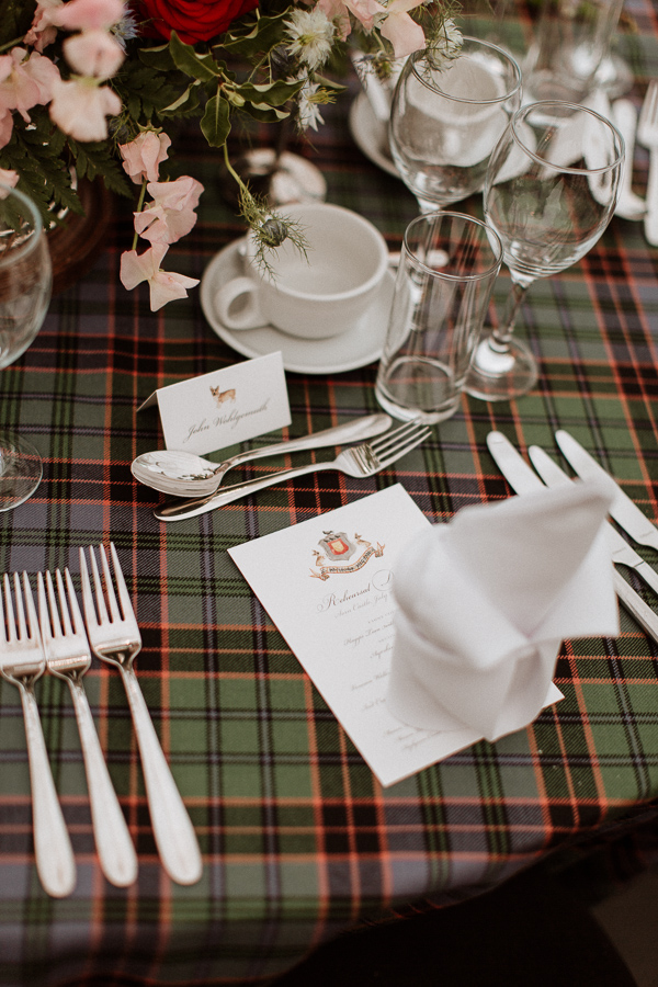 table decorations with tartan fotogenic of scotland