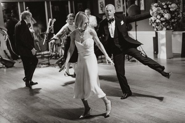 classical jazz dancing during wedding scotland