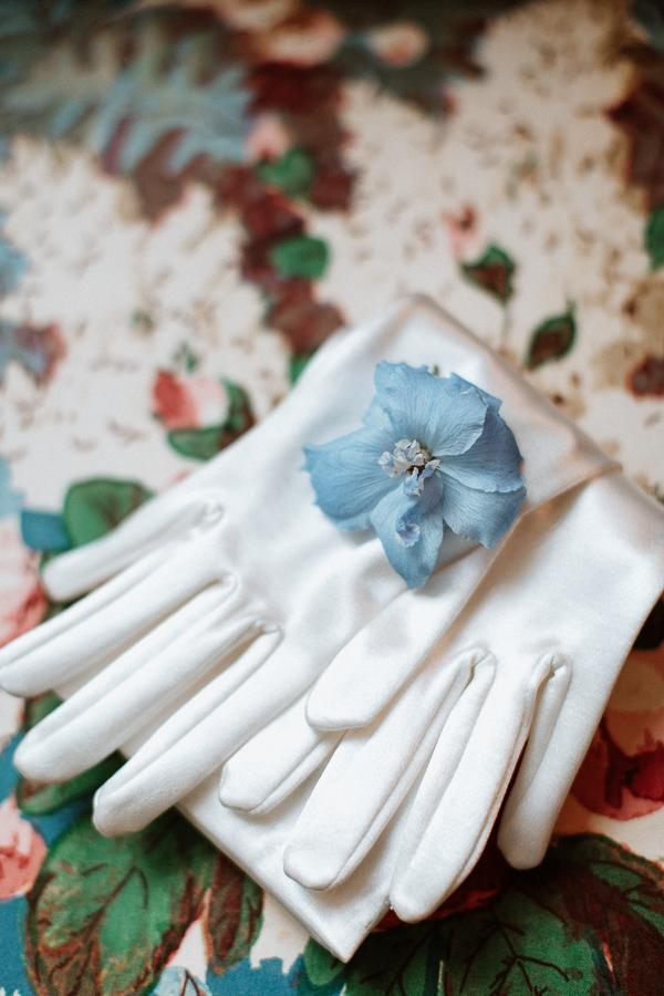 wedding gloves with flower elegant wedding