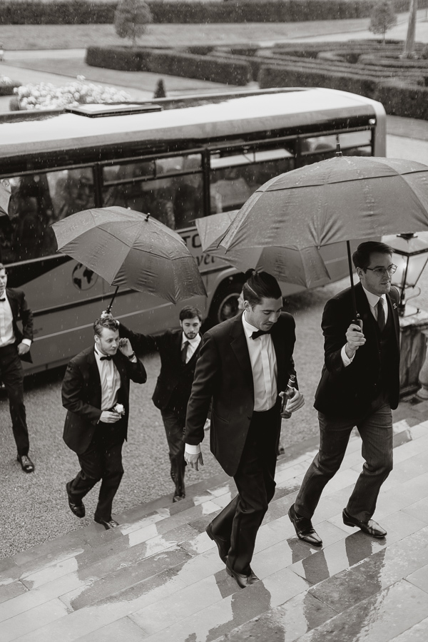 grooms party arriving in rain to Dumfries House