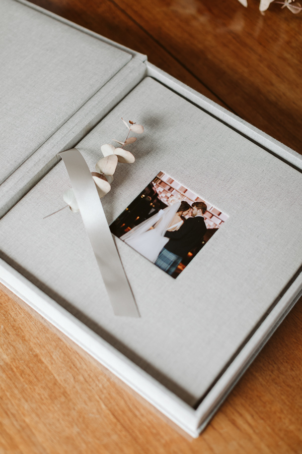 Wedding Photographer Glasgow Albums 13