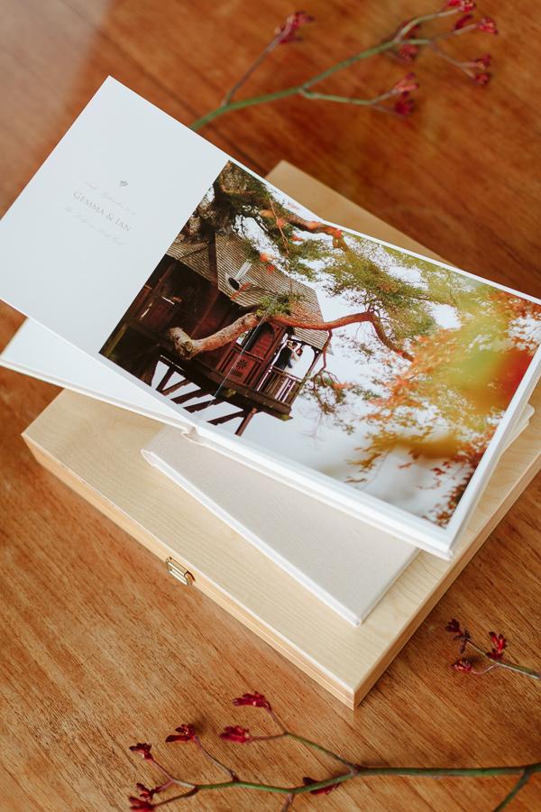 Wedding Photographer Glasgow Albums 25